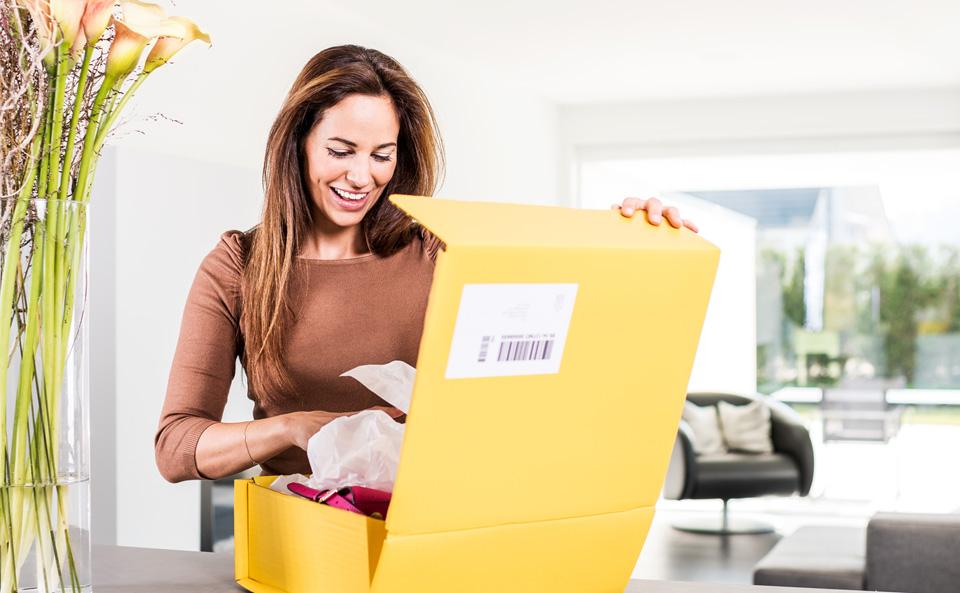 packaging and addressing parcels swiss post. Black Bedroom Furniture Sets. Home Design Ideas
